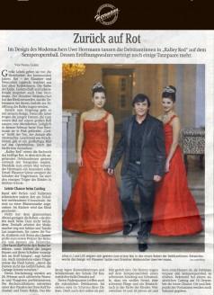 Im Design des Modemachers Uwe Herrmann tanzen die Debütantinnen in Rally Red auf dem Semperopernball. Dessen Eröffnungswalzer verträgt noch einige Tanzpaare mehr - Hochzeitsmode Dresden - Uwe Herrmann